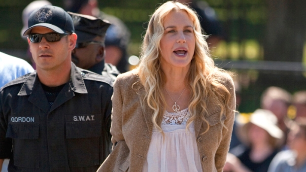 [DC] Daryl Hannah Arrested in D.C.