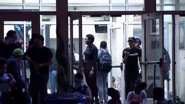 [DC] Howard University Students Sit-in, Call for President to Resign