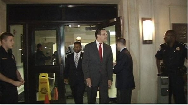 [DC] Raw Video: Mayor Gray Released From Jail