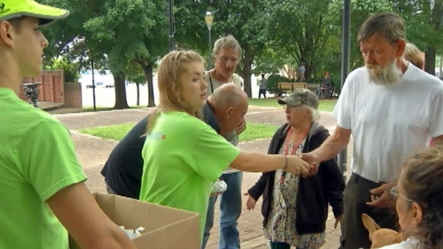 [NEWSC] High Schooler Helps Feed Hungry