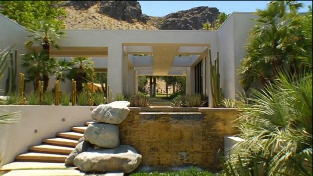 [LXTVN] Square Feet: Mid-Century Modern with Desert Views
