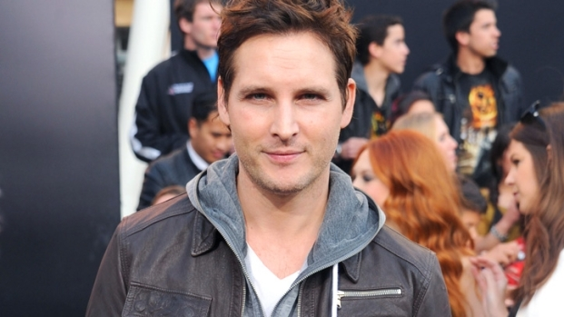 "[NBCAH] Peter Facinelli on ""Twilight"" vs. ""Hunger Games"" Feud"