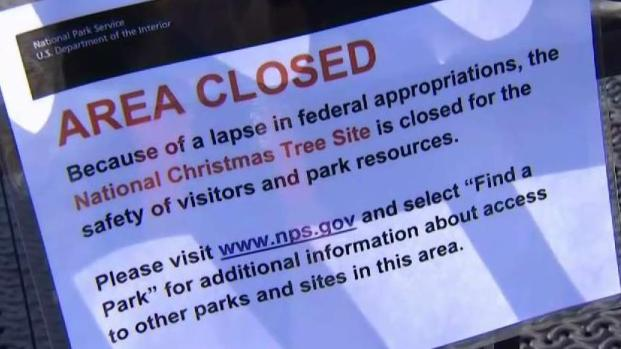 [DC] Shutdown Forces National Christmas Tree to Go Dark