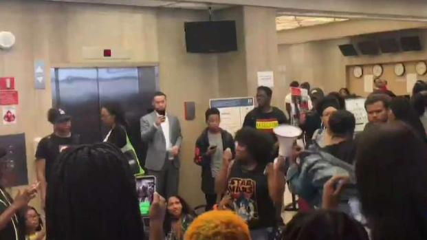 [DC] Students Sit in at Howard Day After News of Financial Aid Scandal