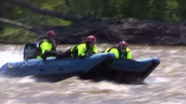 [DC] Swift Water Rescue Team Trains on Potomac River