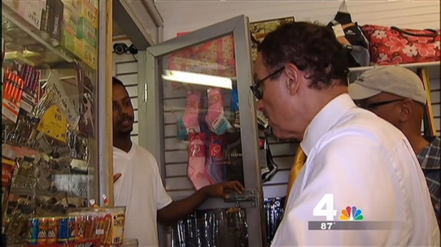 [DC] D.C. Mayor Conducts Door-to-Door Search for Drug Paraphernalia, Runs Into Language Barrier