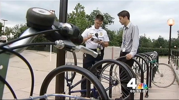 [DC] Police Give Away Locks, Register Bikes to Reduce Thefts