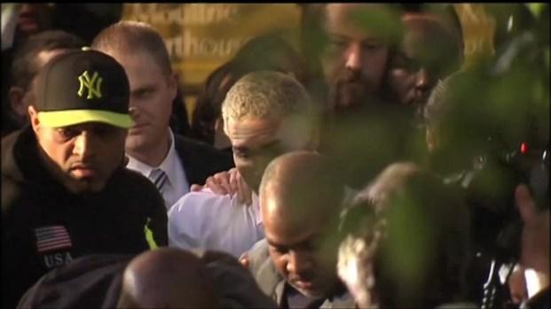 [DC] Chris Brown Leaves a D.C. Courtroom