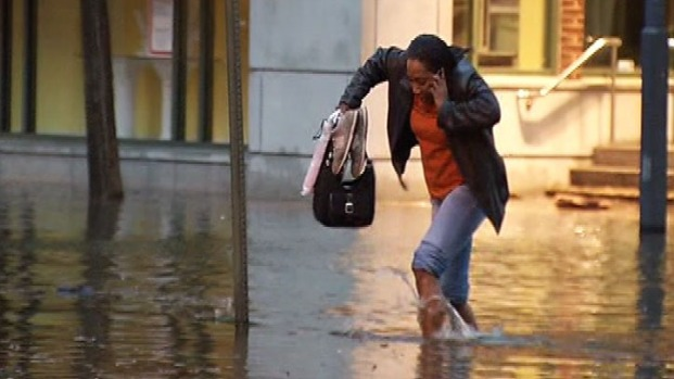 [DC] Pedestrians Brave Flooding on King Street