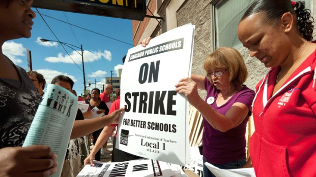 [CHI] Mayor Files for Injunction to End Strike