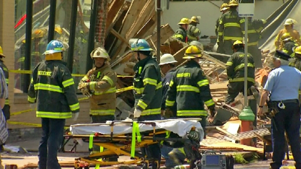 [PHI] Firefighters Search for People Trapped Under Collapsed Building
