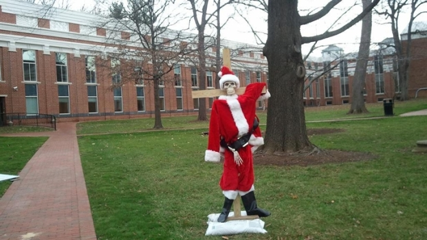[DC] Christmas Controversy in Leesburg