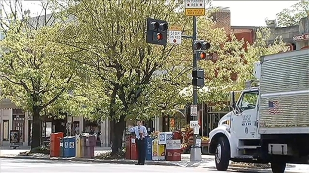 [DC] New NW Pedestrian Crosswalk Gets Mixed Signals