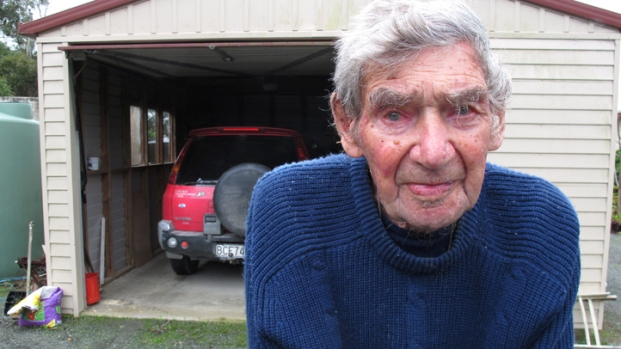[AP] RAW VIDEO: 105-Year Old Still Driving