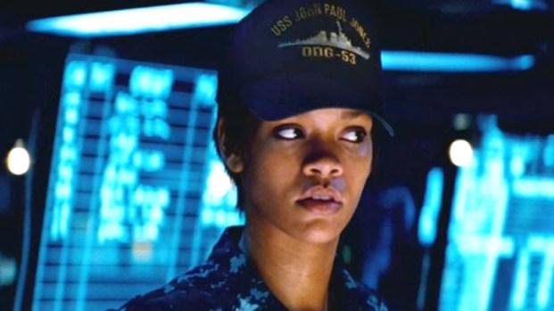 "[NEWSC] Rihanna Has Big Guns In ""Battleship"""