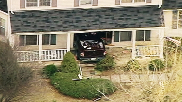 [DC] Truck Crashes Into Woodbridge Home
