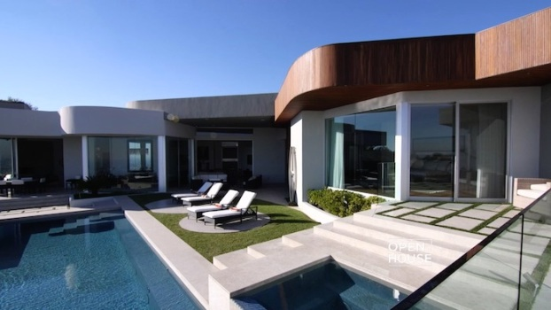 A Show Stopping Home With World Class Views