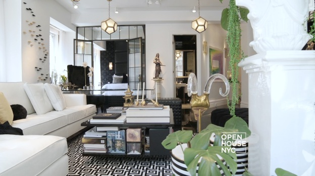 Man Reinvents Small NY Apartment, Maximizes Every Inch