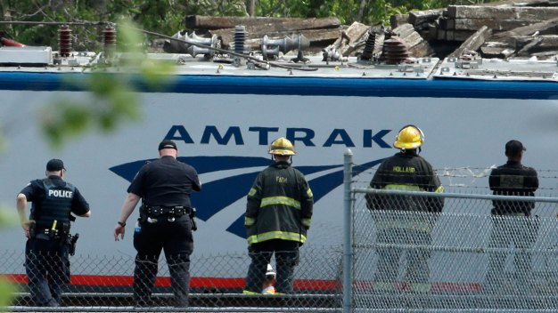 Amtrak Train Sped Up Before Deadly Derailment: NTSB