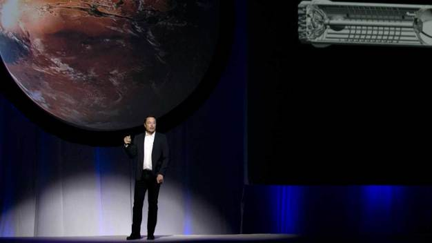 SpaceX's Elon Musk Outlines Plan to Go to Mars