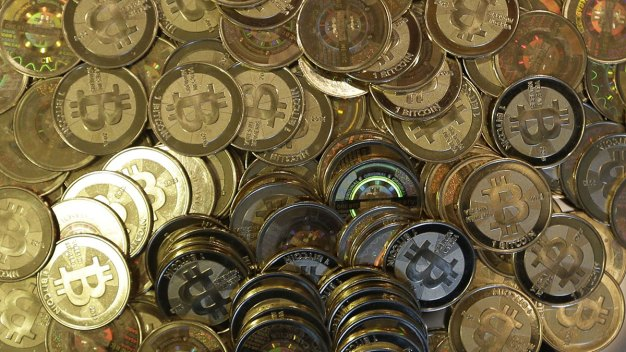 Bitcoin Tops Record $19K, Falls Back Down