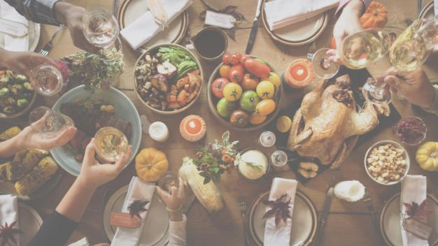 4 Friendsgiving Tips!