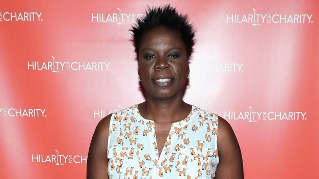 Twitter Suspends Breitbart Editor Over Leslie Jones Abuse