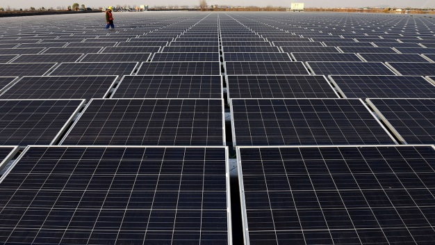 1,200-Acre Solar Farm Proposed at Dulles Airport