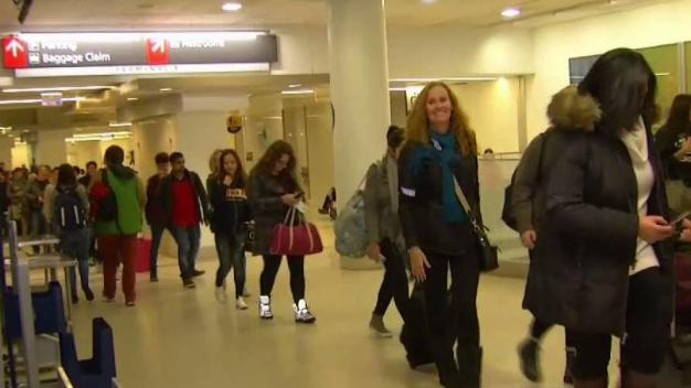 Local Airports See Long Line As Holiday Travelers Arrive
