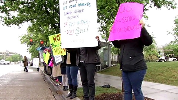 Families Protest Sidwell Friends' Plan to Buy Assisted Living Home
