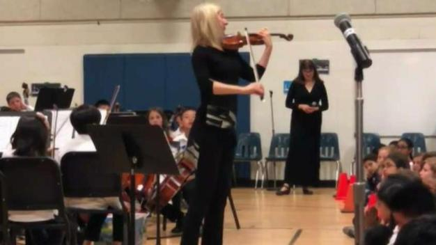 Virginia Student Orchestra Plays With Famed Red Violin