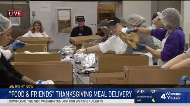 DC Volunteers Start Thanksgiving by Helping People in Need