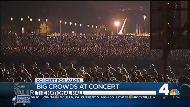 Crews Clean Up Mall After Concert for Valor