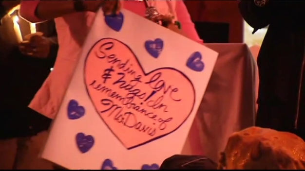 Second-Graders Sing 'Lean on Me' at Vigil for Slain Teacher
