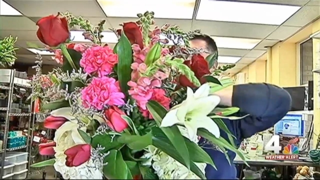 Florists Cope With Cold Ahead of Valentine's Day