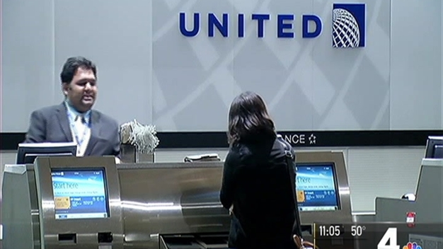 Computer Glitch Temporarily Halts United Airlines Domestic Flights