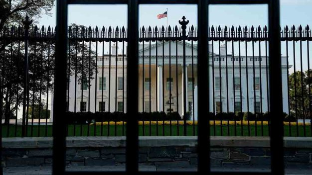 Secret Service Apprehends Attempted White House Fence Jumper