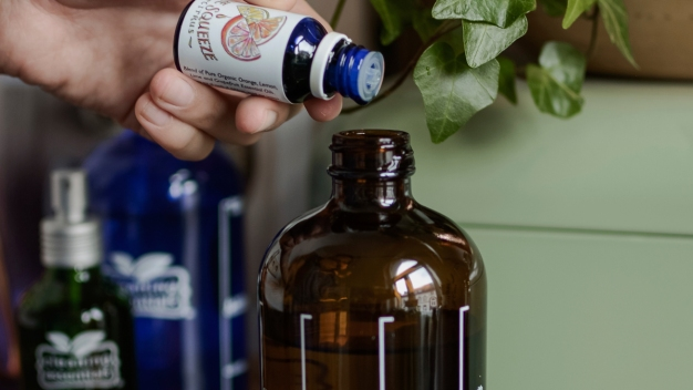 Making Your Own Home-Cleaning Products? Some Pro Tips