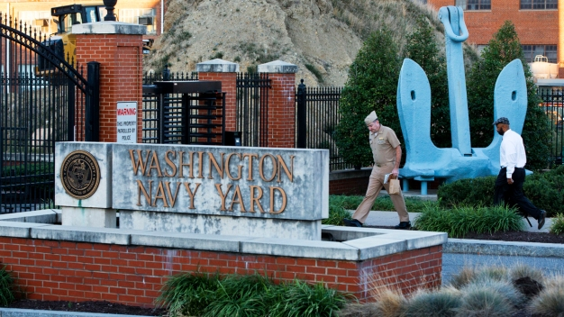 Workers Return to Washington Navy Yard Building