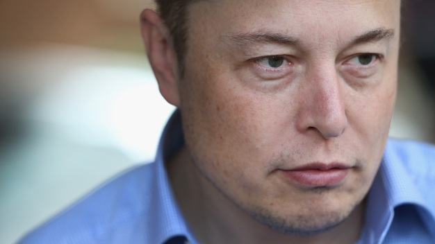 Elon Musk Deletes SpaceX, Tesla Facebook Pages