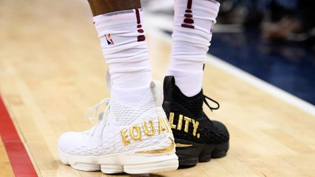 LeBron Wears 1 Black Shoe, 1 White Shoe, Speaks About Trump