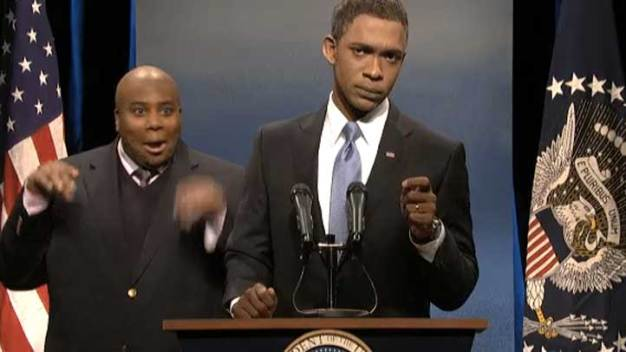 "Obama Battles Fake Interpreter, Selfies on ""SNL"""