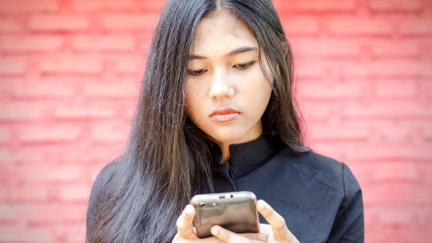 Common Teen Behaviors Can Be Red Flags for Dating Violence