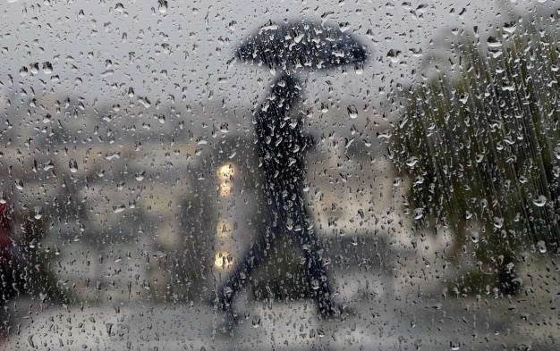 Strong Winds, Rain May Slow Monday Morning Commute