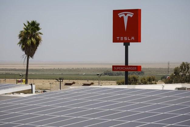 Tesla Restarts Its Solar-Panel Business, Offers Rental Plans