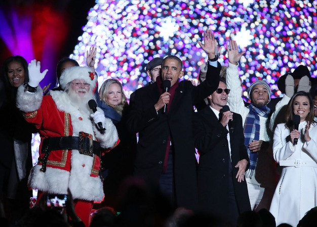 Obamas, Celebs Celebrate Nat'l Christmas Tree Lighting