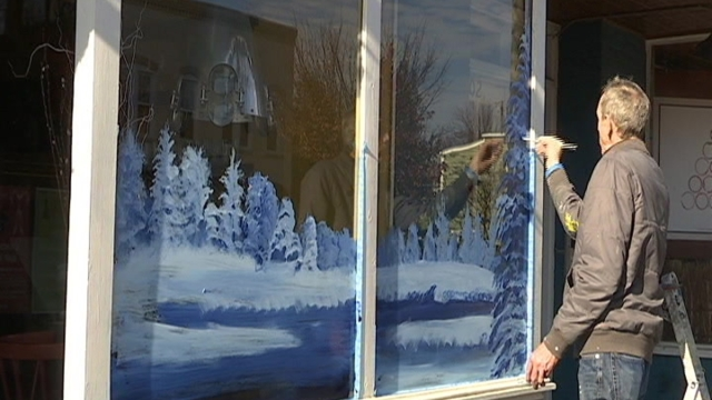 Time Lapse: Artist Paints Window in Del Ray