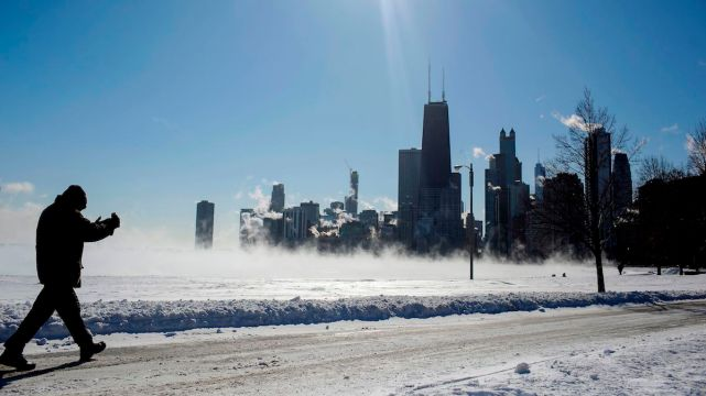 Midwest Freeze Cancels Flights, Even Stops the Mail