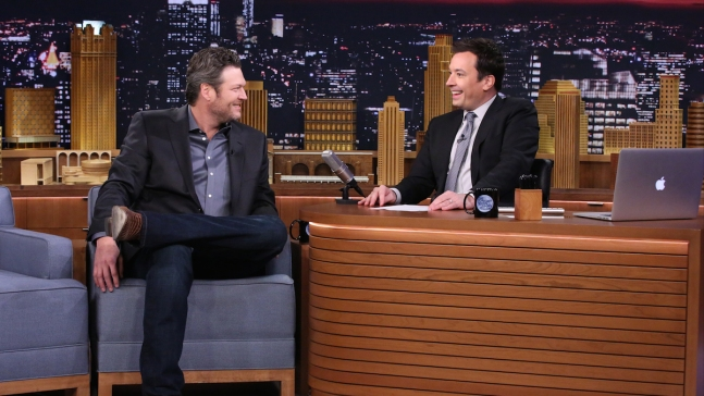 "Fallon: Blake Shelton's ""Whisper Challenge"" Fail"