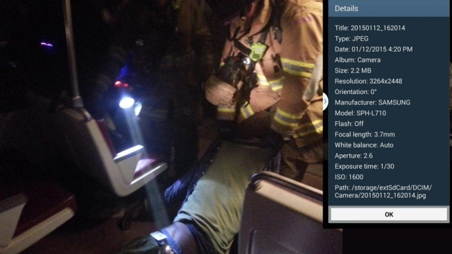 Passenger's Photos Show Firefighters in Metro Train 1 Hour After Smoke First Appears